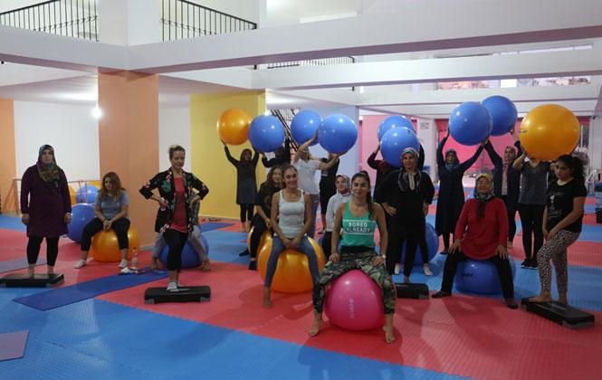 Erdemli'de Belediye Kadın Spor Merkezi, Eğitime Başladı