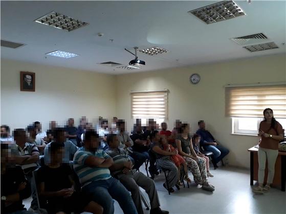 """Tarsus'ta Hükümlülere """"Yetişkin Aşılama ve Influenza Solunum Yolu Hastalıkları"""" Semineri Verildi"""
