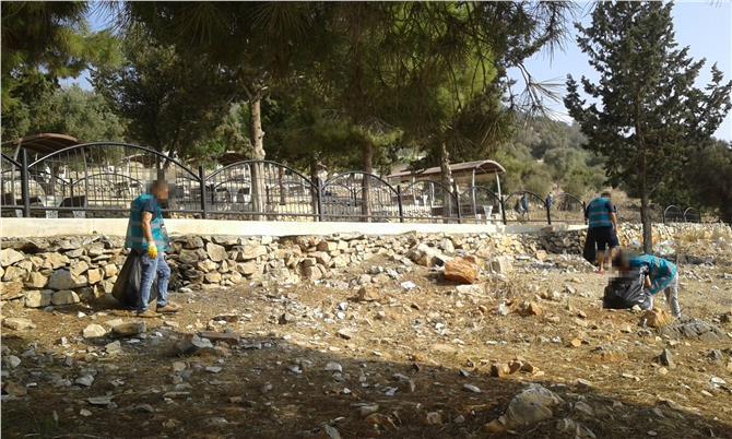 Hükümlüler Ashab-ı Kehf Yedi Uyurlar Mağarası ve Mesire Alanı Civarında Atık Maddeleri Topladı