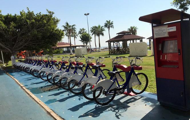 Sahildeki Bisikletler Mersinliler'i Bekliyor