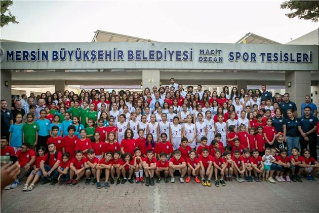 Başkan Seçer, Gençlik ve Spor Kulübü Öğrencileri İle Bir Araya Geldi