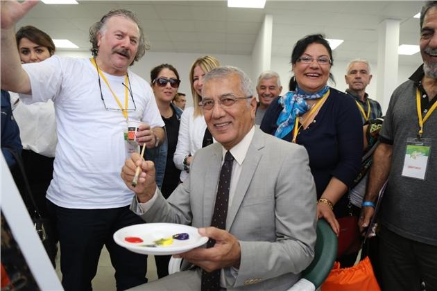 Başkan Tarhan Aktivist Sanatçılarla Birlikte Resim Yaptı