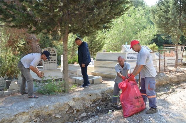 Eshab-ı Kehf Mezarlığı'nda Kapsamlı Temizlik Yapıldı
