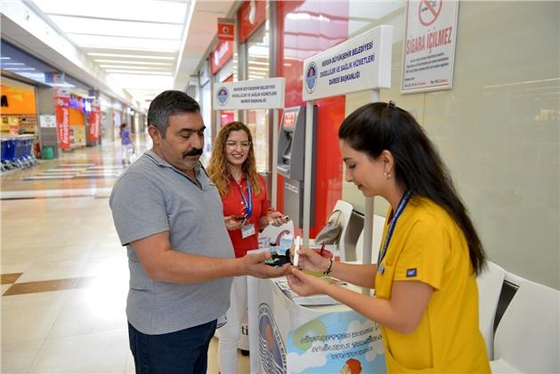 Büyükşehir Sağlık Personeli, Halkı Diyabet Konusunda Bilgilendirdi