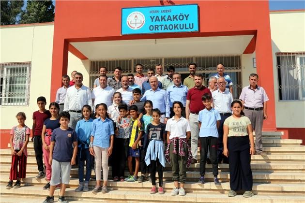 Akdeniz Belediyesi'nin Okullara Desteği Hız Kazandı