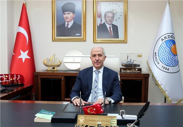 Akdeniz Belediye Başkanı Gültak'tan Öğretmenler Günü Mesajı