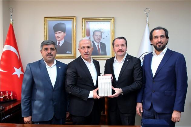 Akdeniz Belediye Başkanı Gültak, Memur-sen Genel Başkanı Ali Yalçın'ı Ağırladı