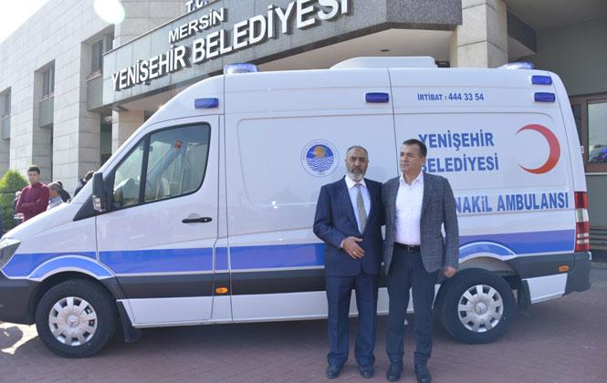 Mersin'de Yaşayan Hayırsever Yaşar Arıkan İsimli Emekli Asker, Yenişehir Belediyesi'ne Ambulans Bağışladı