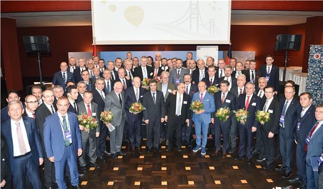 Tarsus Ticaret ve Sanayi Odası Başkanı Ruhi Koçak, Türk-alman Ticaret Ve Sanayi Odası'nın Genel Kurulu'na Katıldı