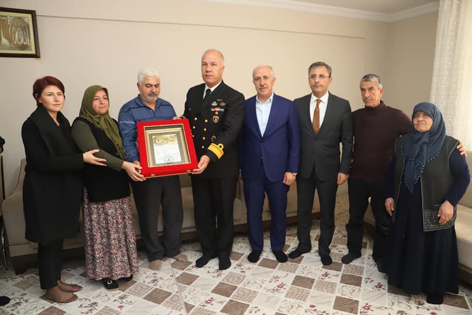 Şehit Mustafa Korkmaz'ın Şehadet Belgesi Ailesine Verildi