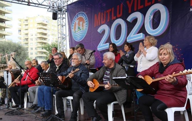 Mezitli'de Yeni Yıl Şölenicoşkulu Başladı