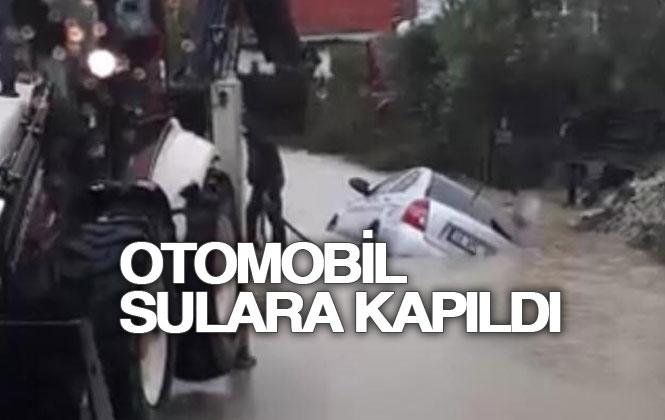 Otomobil Sulara Kapıldı!