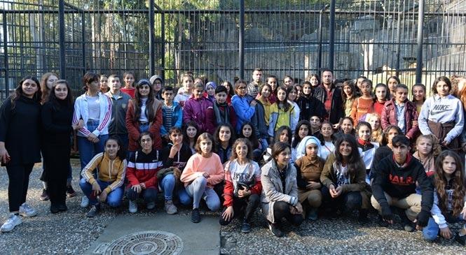 Mersin Akdeniz'de Yaşayan 60 Öğrenci İlk Kez, Tarsus Hayvan Parkı'nı Gezdi
