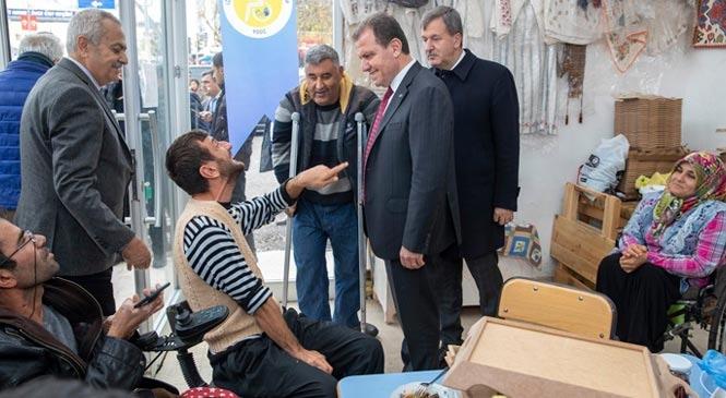 Mersin Büyükşehir Belediye Başkanı Vahap Seçer'in Mut Mesaisi