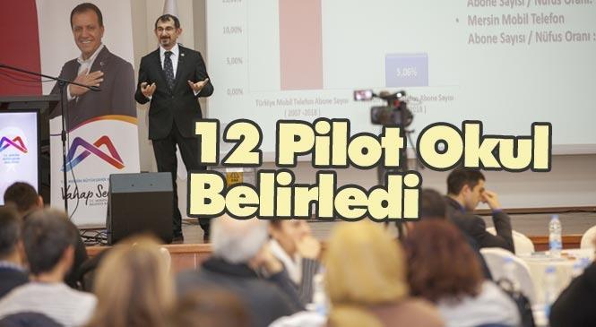 """Mersin'de Veliler Bilinçli İnternet Kullanımı Hakkında Bilgilendirildi! """"Bilinçli İnternet Kullanımı"""" Çalıştayı"""
