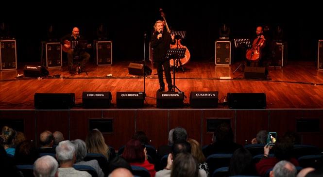 Türk Şiirinin Büyük Şairi Nazım Hikmet'i 118'inci Doğum Gününde, Karikatür Sergisi ve Müzik Dinletisiyle Andı