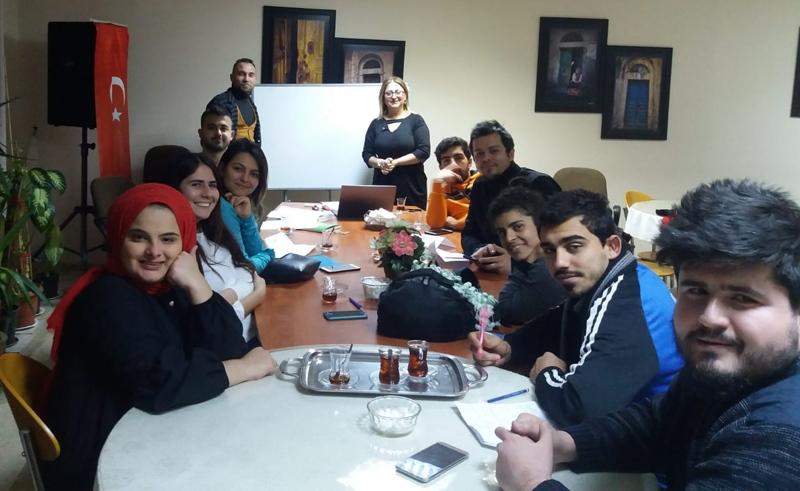 Mersin Tarsus'ta, Gönüllü Kadro İle İşitme Engelli Gençlere Eğitim Desteği Başladı