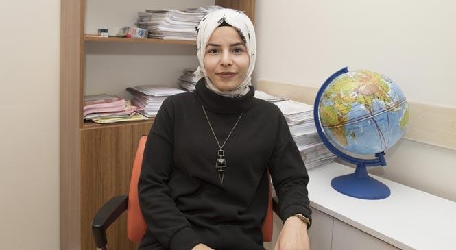 Mersin'de Kız Öğrenciler Üniversite Hayallerini Gerçekleştiriyor