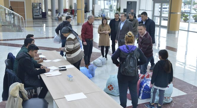 Mersin Yenişehir Belediyesi Depremzedeler İçin El Ele Verdi