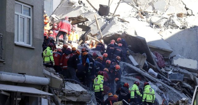 Elazığ'daki Depremde Son Durum: Ölü Sayısı 39'a Yükseldi
