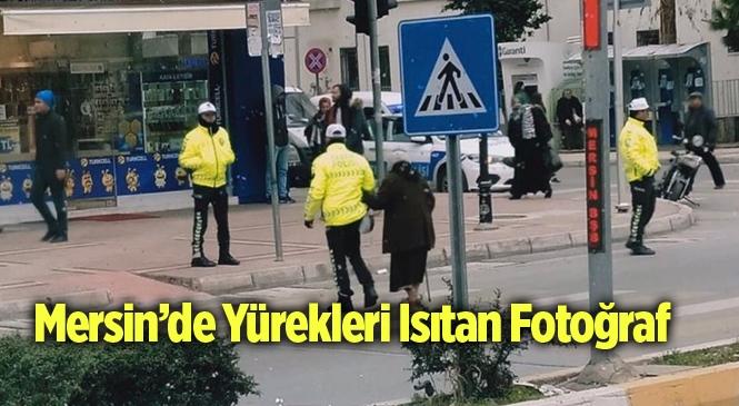 Mersin'de Trafik Polisinden Alkış Alan Davranış