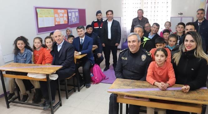 Akdeniz'de Okullar Yuvaya Dönüşüyor