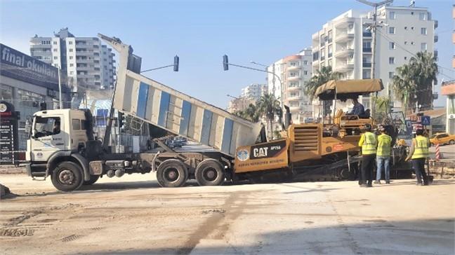 Akdeniz Mahallesi'nde Sıcak Asfalt Çalışması Yapıldı