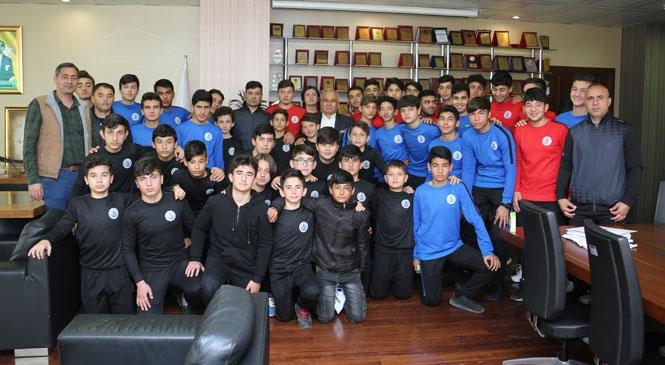 Erdemli Belediyespor'da Temelleri Atılan Sportif Başarının Tuğlaları Her Geçen Gün Yükselmeye Devam Ediyor
