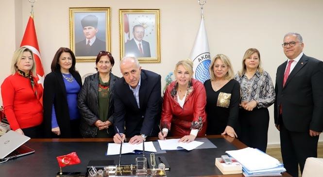 """Akdeniz'de """"Kadın Eğitimleri Projesi"""" Başlıyor"""