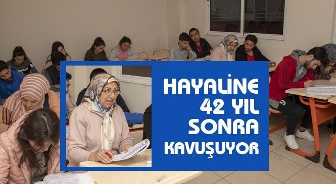 Hem Babaanne Hem De Öğrenci! 65 Yaşındaki Başende Diren Mersin'deki Belediye Kurslarına Öğrenci Oldu