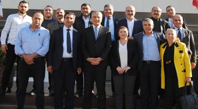 Mezitli Belediye Başkanı Neşet Tarhan, Cumhuriyet Halk Partisi İl Yönetim Kurulu Toplantısına Katılarak Projelerini Anlattı