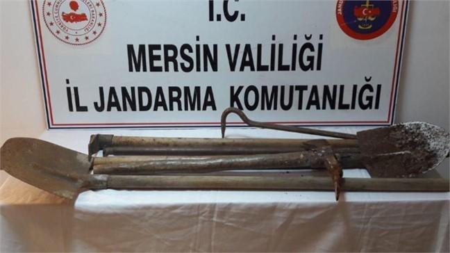 Tarsus ve Yenişehir'de İzinsiz Kazı Yapan Şahıslar Jandarma Tarafından Yakalandı