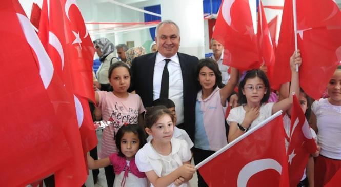 Erdemli Belediye Başkanı Tollu'dan İstiklal Marşı'nın Kabulü Mesajı