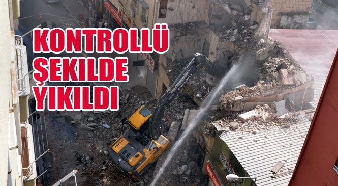 Akdeniz'de Risk Taşıyan Bina Kontrollü Şekilde Yıkıldı