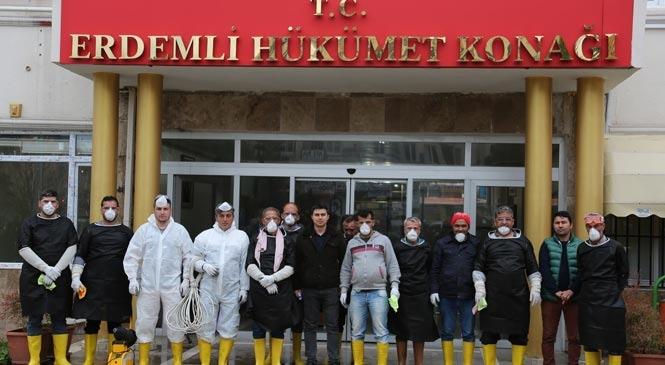 """Erdemli Belediyesi """"Corona Virüs""""e Karşı Kurum ve Kuruluşlara Dezenfeksiyon İşlemini Sıklaştırdı"""