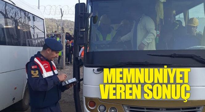 Mersin'de Jandarma Sivil Kıyafetle Yolcu Araçları ve Servis Taşımacılığı Yapan Araçları Denetledi