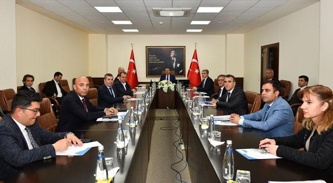 """Mersin'de """"İl Pandemi Koordinasyon Kurulu Toplantısı"""", Vali Ali İhsan Su Başkanlığında Gerçekleştirildi"""