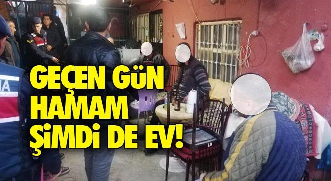 Koronavirüs Denetimleri Devam Ederken Mersin'de Jandarma Ekipleri, Oyun Oynatılan Kahvehaneye Çevrilmiş Eve Operasyon Yaptı! 8 Kişiye 9 Bin Lira Ceza Yazıldı