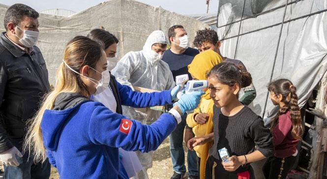 Mersin'de, 800 Tarım İşçisine Ateş Ölçümü ve Genel Sağlık Taraması Yapıldı