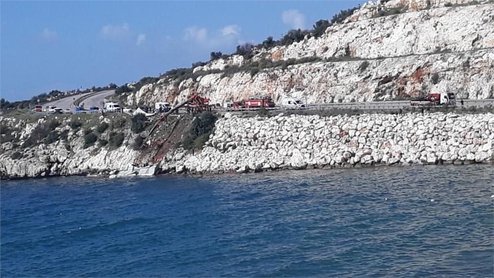 Mersin'de TIR Kazası! Mersin Silifke D400 Karayolu Atakent M