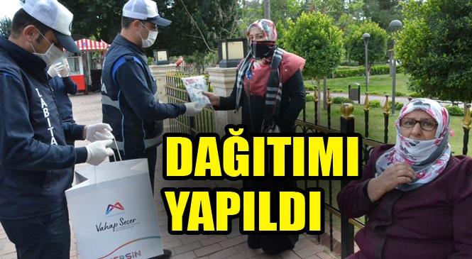 Mersin Büyükşehir Belediyesi Tarafından Hazırlanan Sağlık Kitleri Tarsus'ta Vatandaşlara Dağıtıldı