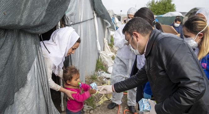 """Mersin Büyükşehir, """"Evde Kal"""" Demekle Kalmadı, Vatandaşları Evde Tutmak İçin Seferber Oldu"""