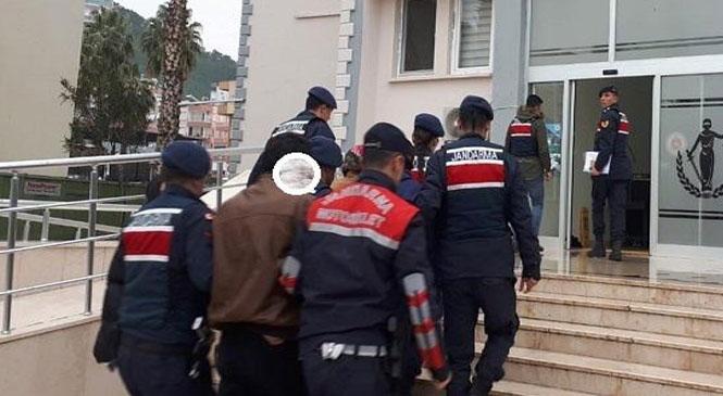 Mersin Tarsus Kefeli Mahallesinde Yaşan Hırsızlık Olayının Şüphelileri Jandarma Ekipleri Tarafından Yakalandı