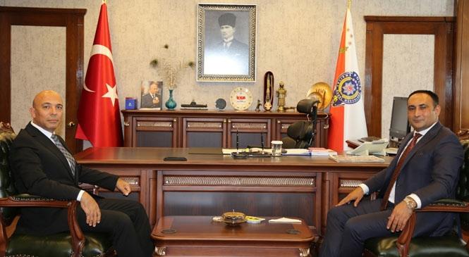 Toroslar Belediye Başkanı Atsız Afşın Yılmaz, Türk Polis Teşkilatı'nın 175'inci Kuruluş Yıl Dönümü ve Polis Haftası Dolayısıyla Bir Kutlama Mesajı Yayınladı
