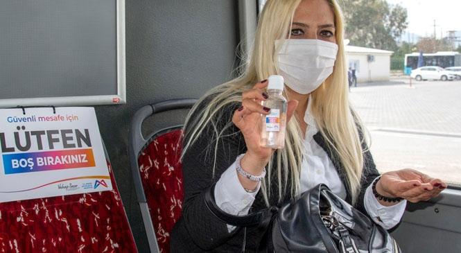 Mersin Büyükşehir'in Dağıttığı Maskelerin Eczanelerde Sunulan Maskelerden Farkı Yok