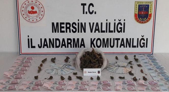 Mersin'in Tarsus İlçesinde Jandarma Ekipleri, Uyuşturucu Madde Ticareti Yapan 2 Kişiyi Gözaltına Aldı