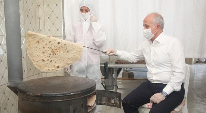 Akdeniz'de Ekmekler Pişiyor, Çorba Kazanları Kaynıyor
