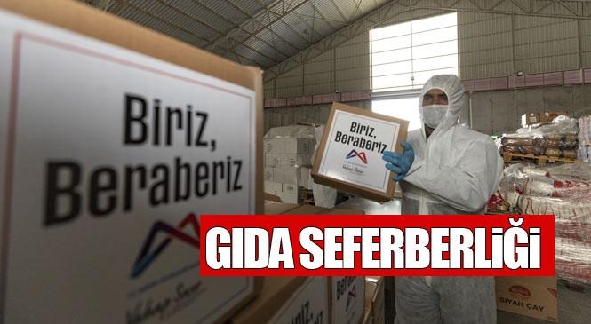 Mersin Büyükşehir Belediyesinin Hazırladığı 50 Bin Gıda Kolisi, Yurttaşların Sofralarına Mutluluk Katıyor