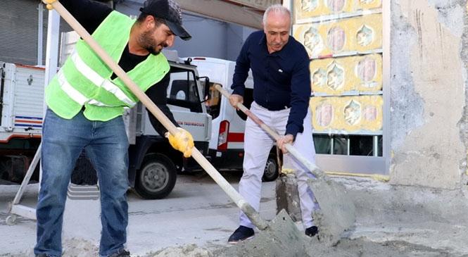 Akdeniz Belediyesi Başkan Gültak, '1 Mayıs İşçi Bayramı'nı Kutladı