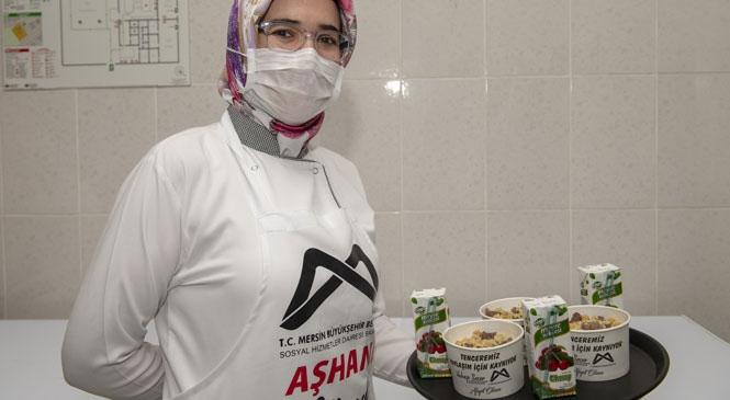 Aşhane'de Yemekler 200 Bin Kişi İçin Kaynadı! Büyükşehir, 22 Mart'tan Bu Yana 200 Bin Vatandaşın Evine Yemek Ulaştırdı